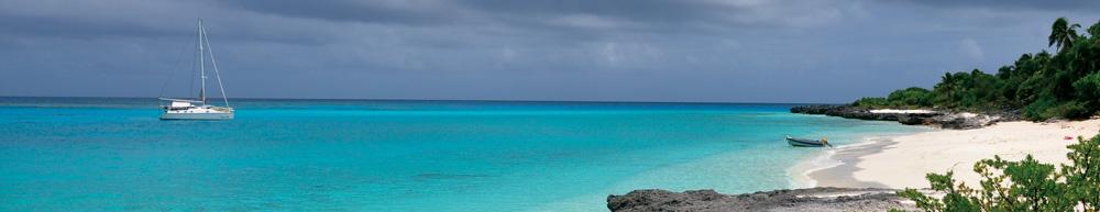 Mouillage aux Îles Loyauté © Emma Colombin